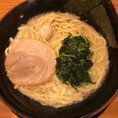 横浜家系ラーメン 壱角家 伊勢原店の写真