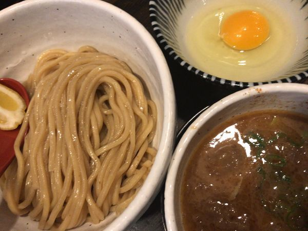 「牛モツつけ麺870円+生卵50円」@製麺処 蔵木の写真