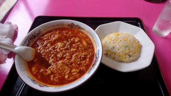 「にんにく担々麺 半チャーハン」@廣東楼の写真