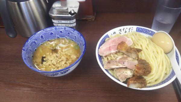 「特製つけ麺特盛(500g) 肉切り落としトッピング」@つけめん さなだの写真