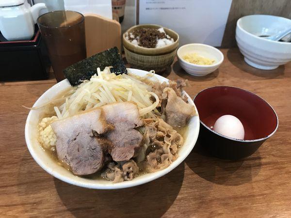 「濃厚肉うどん【ニンニク・こってり】」@肉うどん さんすけの写真