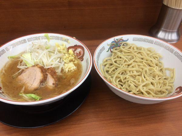 「小ラーメンつけ麺」@ラーメン豚山 平塚店の写真