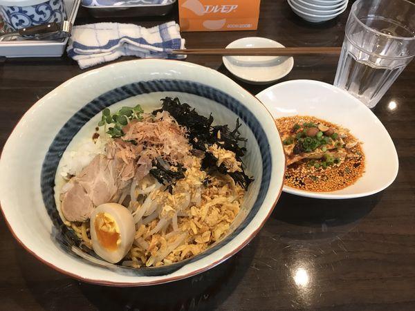 「バンメン(旨辛油そば)ミニよだれ鶏セット」@名物よだれ鶏と濃厚鶏白湯麺 MATSURIKA 武蔵新田店の写真