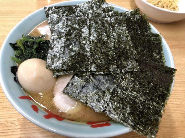 「チャーシュー麺中盛濃いめ&味玉」@近藤家 本店の写真