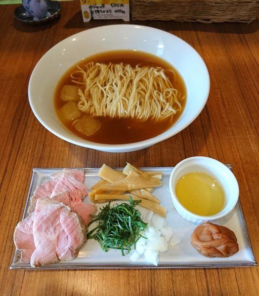 「冷やし煮干ラーメンwith南高梅」@麺&cafe Coi.Coi.の写真