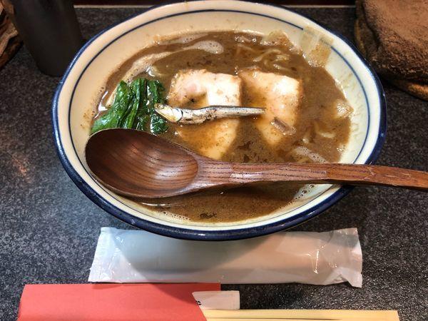 「かけラーメン850」@烈志笑魚油 麺香房 三くの写真