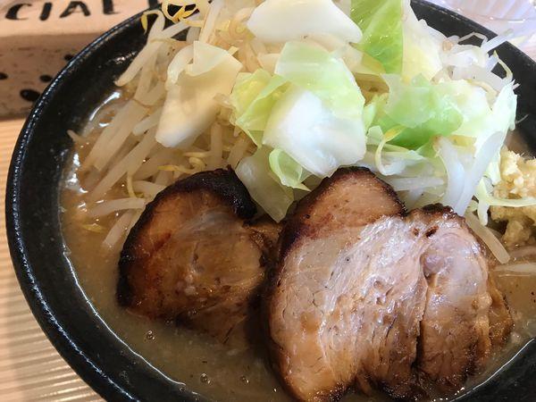 「二郎系カツオ(ショウガ、野菜増し)」@ラーメン ポール亭の写真