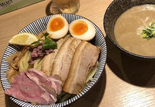 「つけめん 大、全部のせ 子羊(ラム)煮干スープ」@自家製麺 MENSHO TOKYOの写真