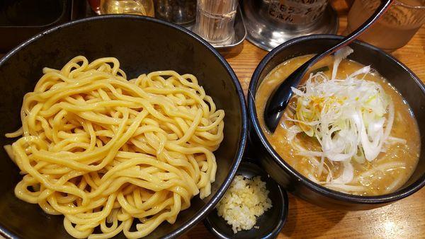 「辛味噌つけ麺」@麺処 花田 上野店の写真