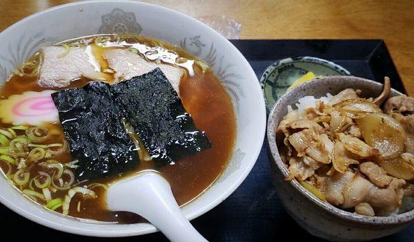 「ラーメンセット(ミニ焼肉丼付)750円」@ラーメン・定食 又兵衛の写真