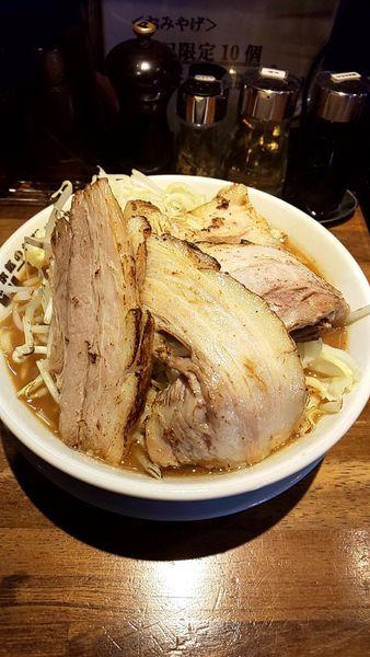 「本気の炙り焼豚そば」@本気の焼豚 プルプル食堂の写真