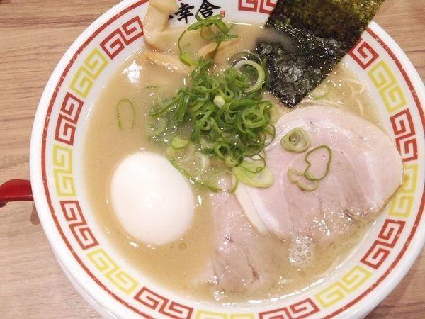 「味玉豚骨ラーメン」@博多屋台ラーメン一幸舎 東京キッテグランシェ店の写真