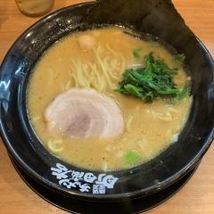 横浜家系ラーメン 町田商店 戸塚原宿店の写真