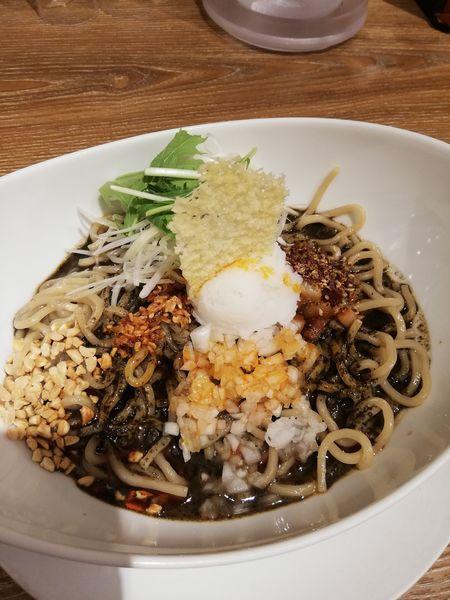 「汁なし黒胡麻担々麺」@ばんから担々麺 新宿歌舞伎町店の写真