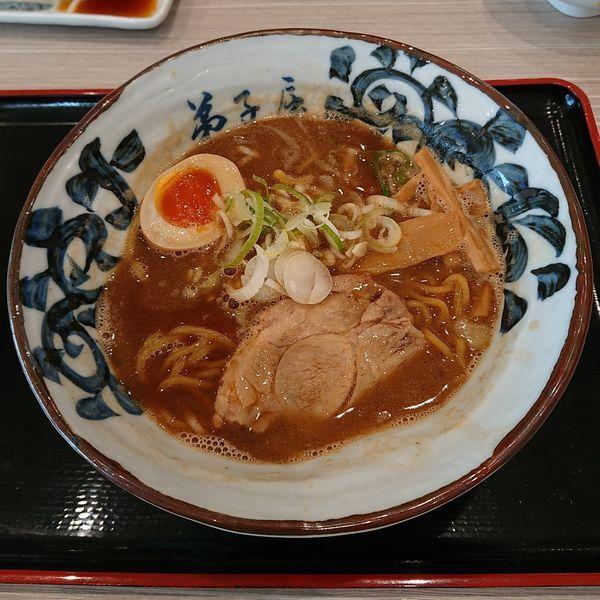 「魚介しぼり醤油  @800円」@弟子屈ラーメン 札幌北広島店の写真