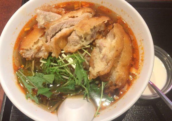 「麻辣排骨麺」@四川料理・上海料理 新荘園の写真