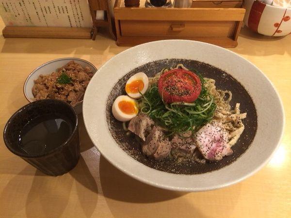「富士幻豚和えそば(限定5食)+地鶏めし」@饗 くろ㐂の写真