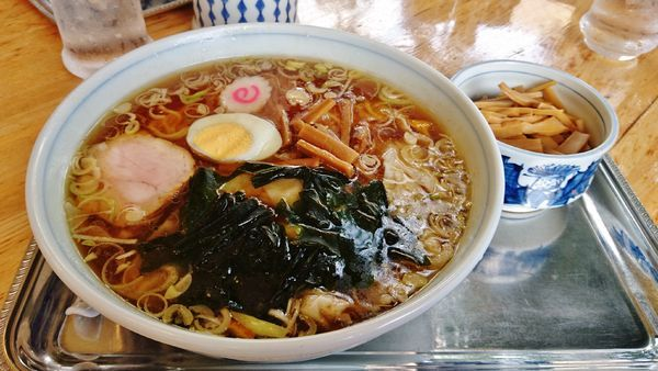 「ワンタン麺+メンマ」@大勝軒 武蔵増戸店の写真