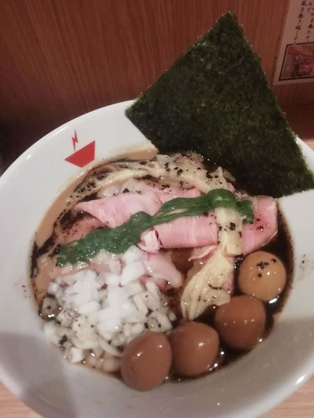 「蟹そば+肉増し+燻製うずら」@crab台風。の写真