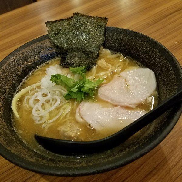 「濃厚鶏骨醤油そば(¥780)」@濃厚鶏そば 麺屋武一 新橋本店の写真