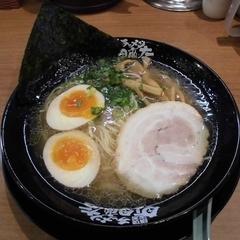 横浜家系ラーメン 町田商店 名古屋茶屋店の写真