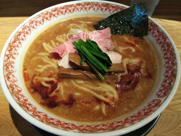 「辛味噌ラーメン (大盛り:サービス券)」@麺肴 ひづきの写真