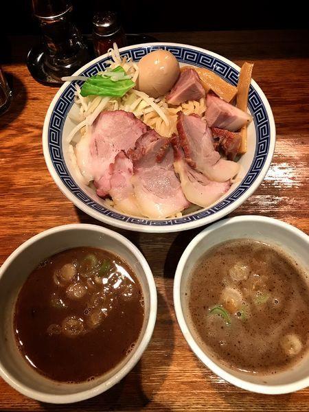 「二色つけ麺 醤油 味噌」@神保町 可以の写真