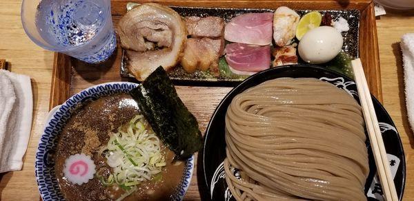 「つけめん(大)特選全部トッピング、スープ増量」@中華蕎麦 とみ田の写真