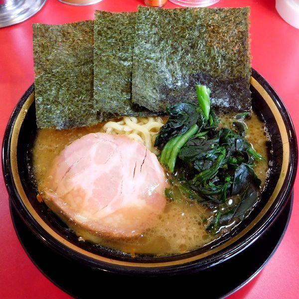 「ラーメン(680円)麺柔らかめ・その他ふつう」@家系ラーメン とらきち家の写真