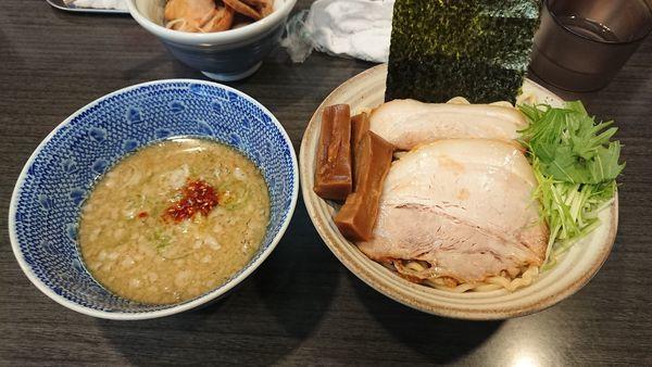 「塩つけ麺(小) 850円 + チャーシュー丼 300円」@ラーメンつけ麺 奔放の写真