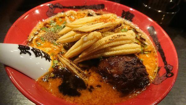 「カラシビみそラーメン+ヤングコーン」@カラシビ味噌らー麺 鬼金棒の写真