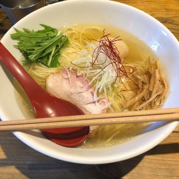「香彩鶏だし塩ラーメン 味玉」@麺屋 翔 本店の写真