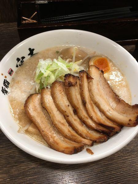 「背脂チャーシュー麺」@背脂らーめん 宮本 西池袋店の写真
