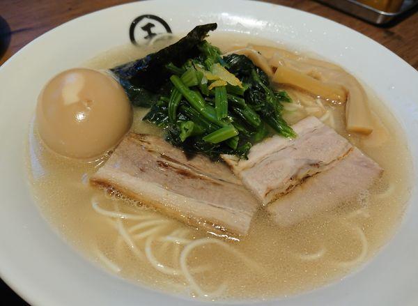 「濃厚金目鯛そば+味玉+ホウレン草」@東京煮干中華そば 三三㐂 大森の写真