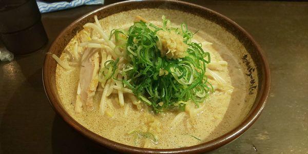 「炙り味噌ラーメン」@真武咲弥 渋谷店の写真