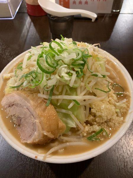 「ラーメン豚一切れ 特盛」@ちばから 渋谷道玄坂店の写真