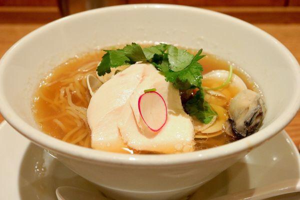 「蛤と牡蠣の醤油SOBA」@銀座 篝 ルクア大阪店の写真