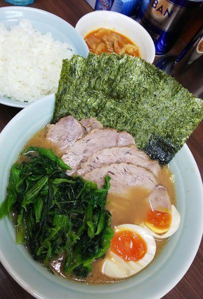 「のり玉ちゃーしゅー麺+ほうれん草」@横浜家系らーめん 武蔵家 川口店の写真