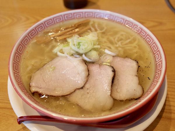 「モーニングスペシャル中華そば 塩…680円」@麺切り 白流の写真