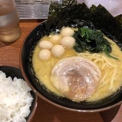 横浜家系ラーメン 壱角家 三鷹店の写真