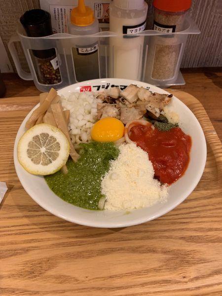 「ボーノまぜそば」@つけ麺・ラーメン フジヤマ55 小倉エキナカひまわりプラザ店の写真