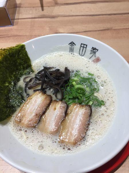 「黒豚らーめん ¥880円」@黒豚とんこつ 金田家 なんばラーメン一座店の写真