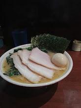 「特製らーめん(もも肉)+レンソウ」@らーめん飛粋の写真