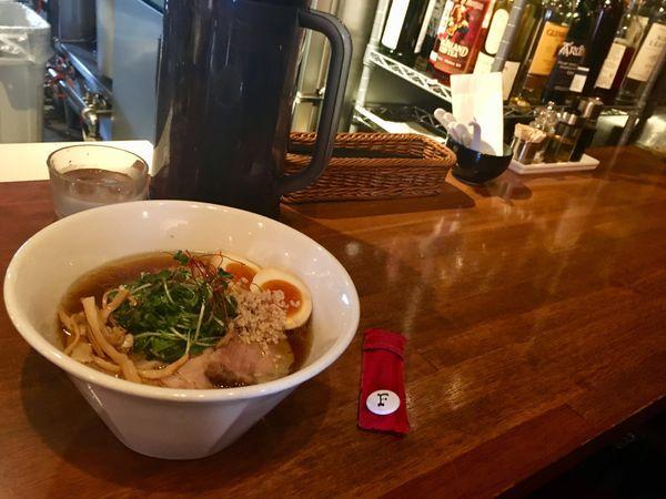 「くんそば味玉醤油」@麺屋 KEMURIの写真