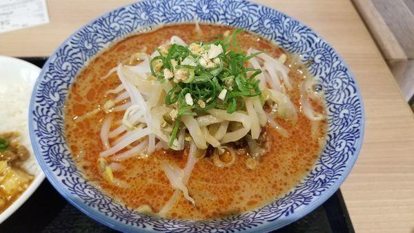 「福龍担々麺」@福龍 ラザウォーク甲斐双葉店の写真