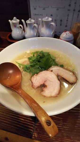 「本丸塩らー麺」@横濱元町 塩らー麺 本丸亭 元町店の写真