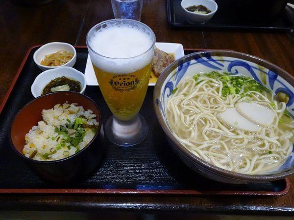 「軟骨ソーキそば定食(大盛)」@沖縄そば 海産物料理店 楚辺の写真