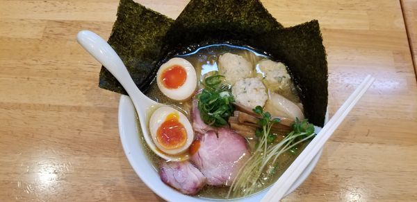 「特製塩そば大盛+鶏つくね」@麺処 いち林の写真