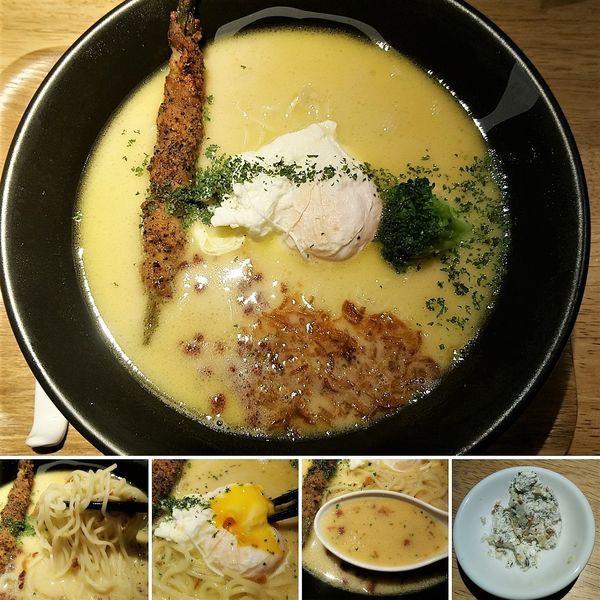 「白(鶏白湯)+ガーリックバター=970円」@麺巧 潮 上野製麺所の写真