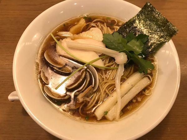 「鶏・煮干し・蛤のトリプルSOBA ¥900」@むぎとオリーブ さいたま新都心店の写真
